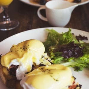Eggs Benedict recipe for two